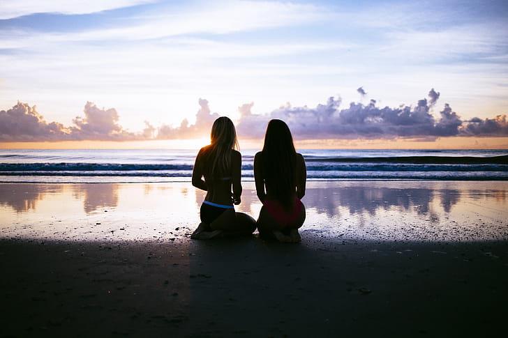 Ups, Berfoto di Pantai Ini Wajib Pamer Bokong!