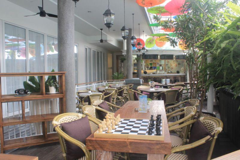 Teras Geulis Bar and Coffee, Cafe Cantik di Hotel THE 1O1 Bogor Suryakencana