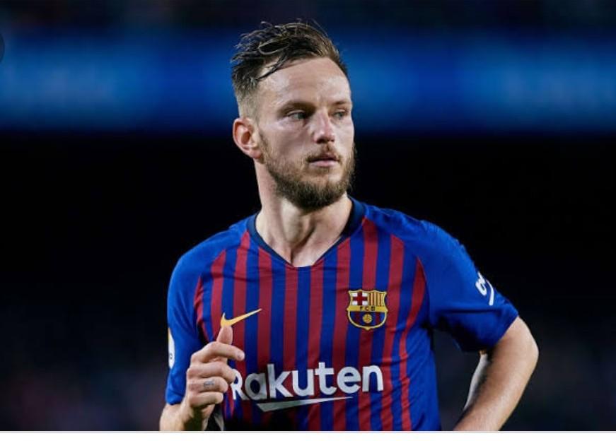 Juventus Tawarkan Barcelona Barter Emre Can dengan Rakitic