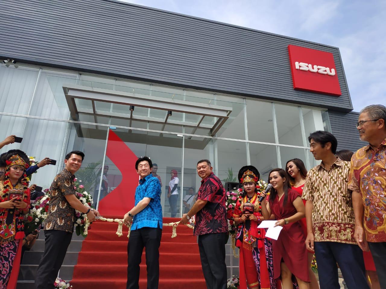 Outlet Bahana Isuzu Cirebon Resmi Beroperasi