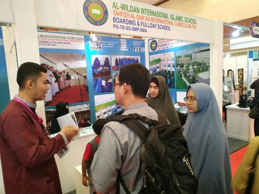 Muslim Life Fest Bahas Pesantren Modern Berdaya Saing Global