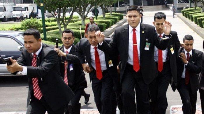 Dapat Bisikan Gaib, Anggota Polisi Nekad Terobos Keamanan Istana Temui Jokowi