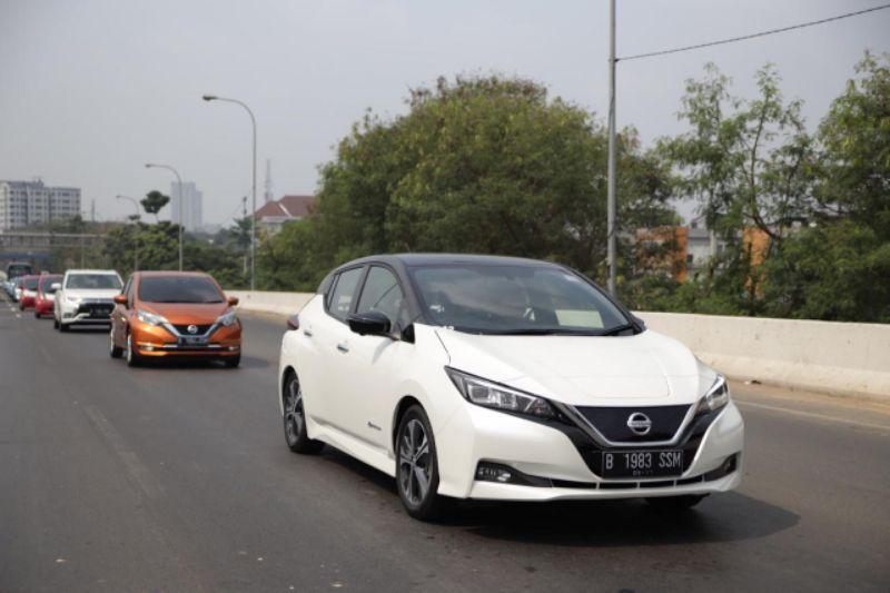 Mobil Listrik Nissan LEAF Jelajahi Jakarta Hingga Tangerang