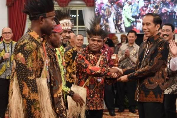 Bertemu Para Tokoh Adat, Jokowi Kabulkan Permintaan Pembangunan Istana Presiden di Papua Tahun Depan