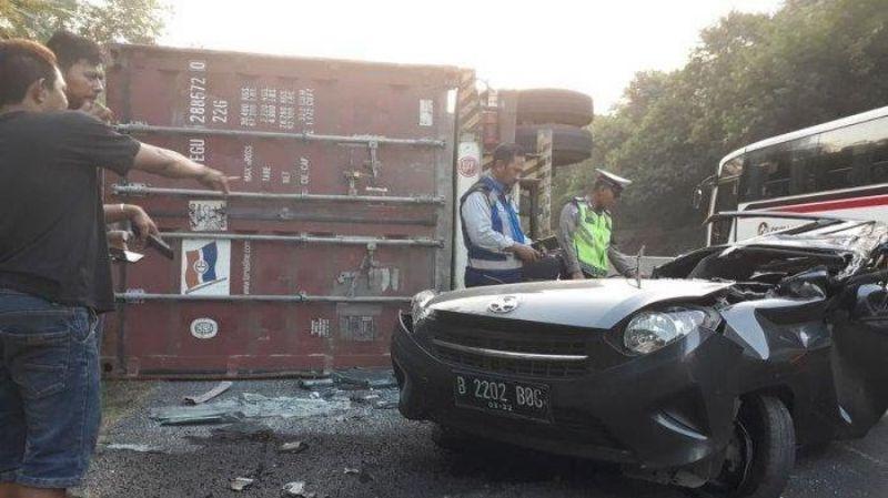 Lagi, Kecelakaan Lalin Truk Terbakar di Km 91 Tol Cipularang