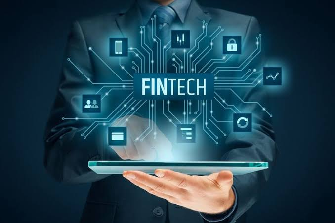 Monster Fintech Ilegal, OJK: Cirinya Tawarkan Pinjaman Lewat HP