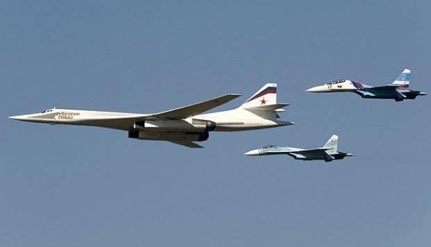Jet Tempur 5 Negara Hadang 2 Pesawat Bomber dan Sukhoi Rusia