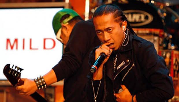 Sandy Buka Suara Soal Hengkangnya Yukie Dari PAS Band