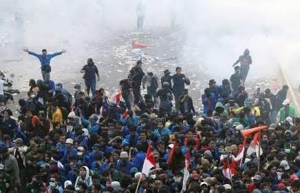 Bamsoet : Pelaku Pengrusakan dan Kerusuhan Demo RKUHP Bukan Mahasiswa