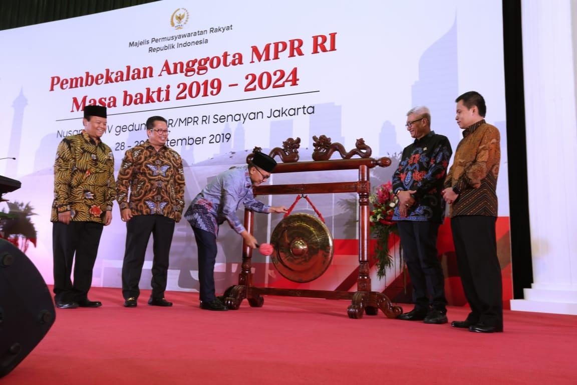 Anggota MPR RI Periode 2019-2024 Diberi Pembekalan Materi 4 Pilar