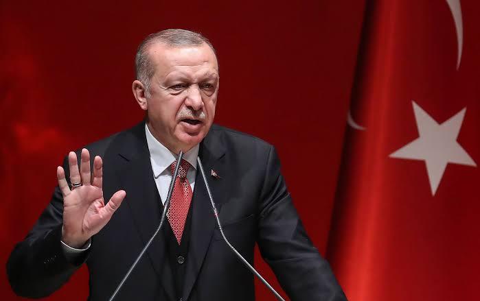 Erdogan Telepon Presiden Prancis Terkait Operasi Militer di Suriah