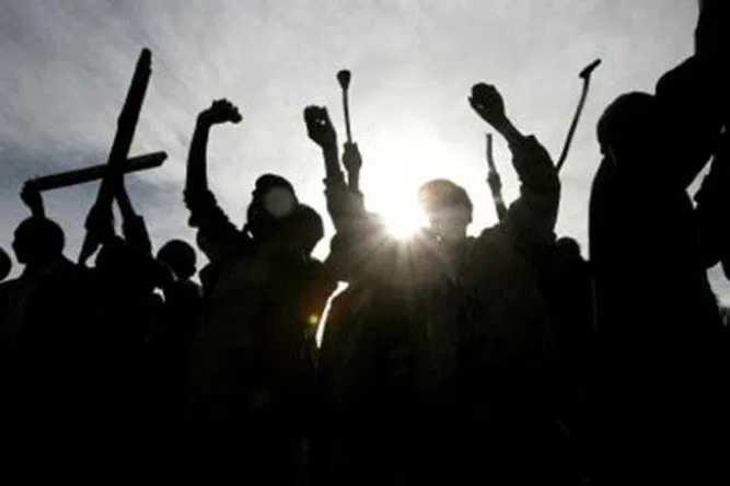 Massa Mahasiswa Aksi di Patung Kuda, Jalan Sekitar Istana Ditutup