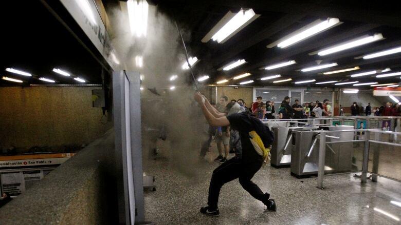 Kerusuhan di Ibu Kota Cile, Presiden Umumkan Keadaan Darurat
