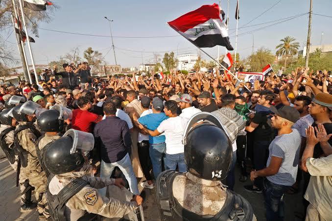 Unjuk Rasa Soal Korupsi dan Ekonomi di Irak Tewaskan 40 Orang