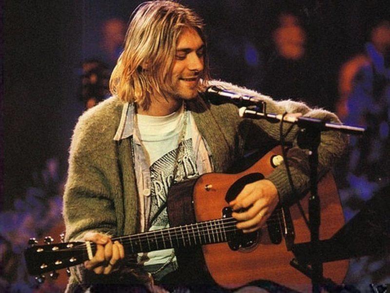 Dilelang, Kardigan Milik Vokalis 'Nirvana' Kurt Cobain Terjual Hampir 5 Milyar