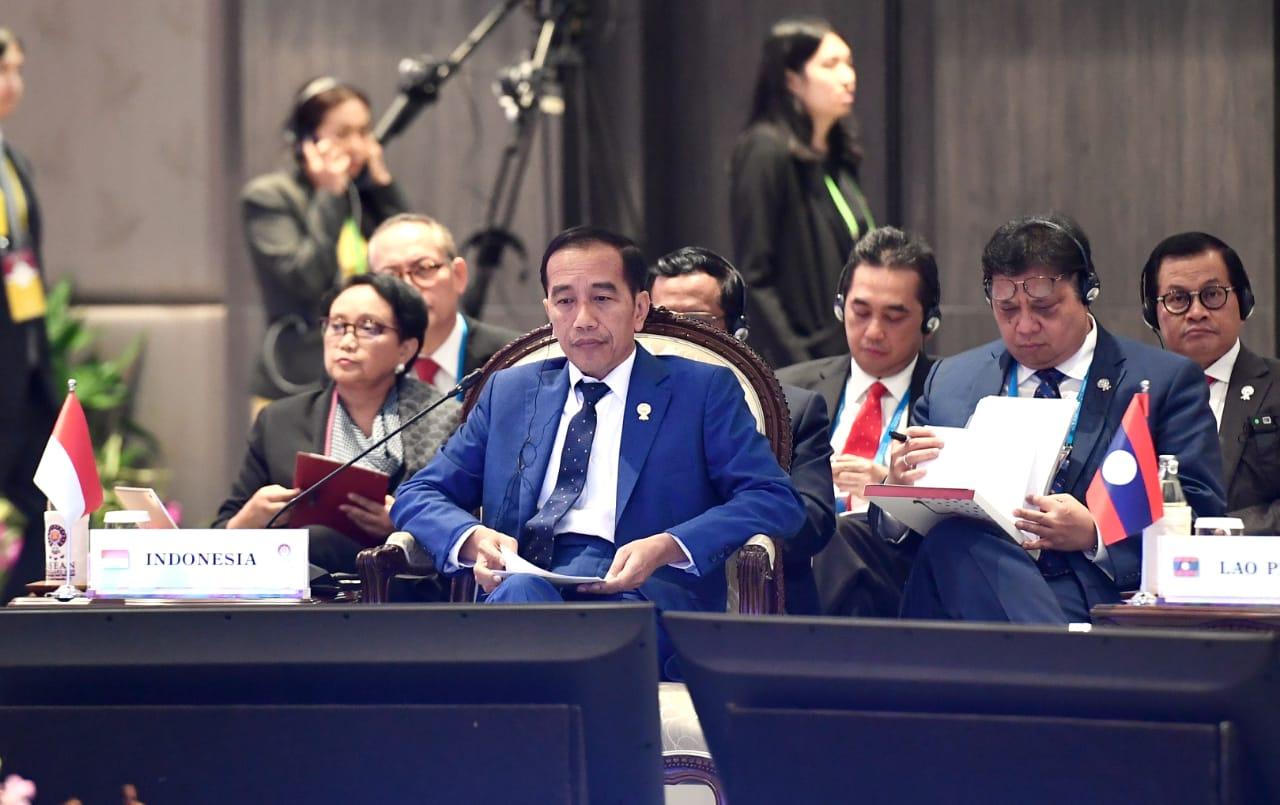 KTT ke-14 Asia Timur, Presiden Jokowi Tegas Tolak Limbah Sampah Luar Negeri