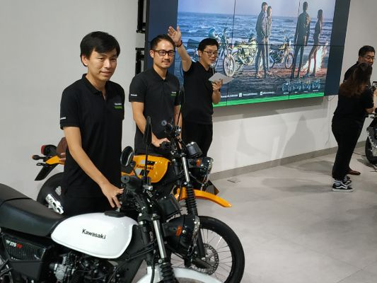 Pertama di Dunia, Kawasaki Luncurkan Retro Scrambler W175TR