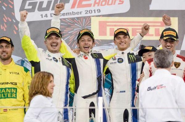 Balap Ketahanan Gulf 12 Hours Heboh Karena Ulah Valentino Rossi, Simak Ulasannya!