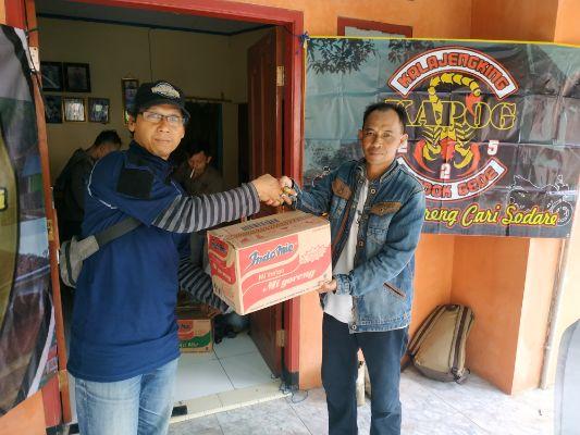Warga Perum Pondok Bambu Town House Berikan Bantuan untuk Korban Longsor di Lebak, Banten