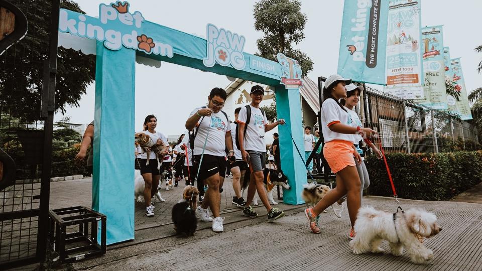 Meriahkan HUT ke-3 Pet Kingdom Kembali Gelar 'PAW JOG' Jalan Santai Bareng Anjing Kesayangan