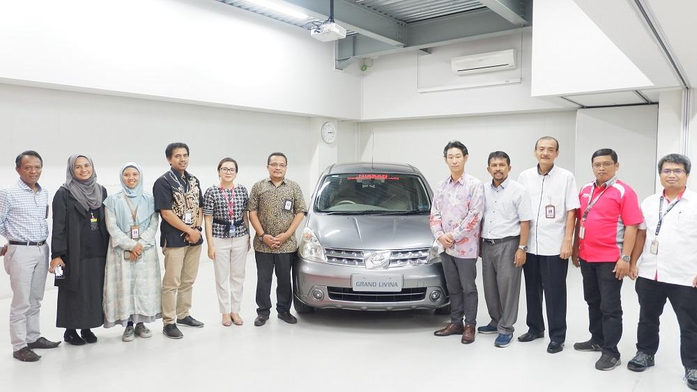 NISSAN Donasikan 1 Unit Grand Livina ke Balai Latihan Kerja di Bandung