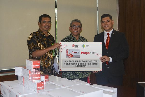Donasikan 200 Box Propoelix, HDI Berkolaborasi dengan Kemenkes Lawan Covid-19