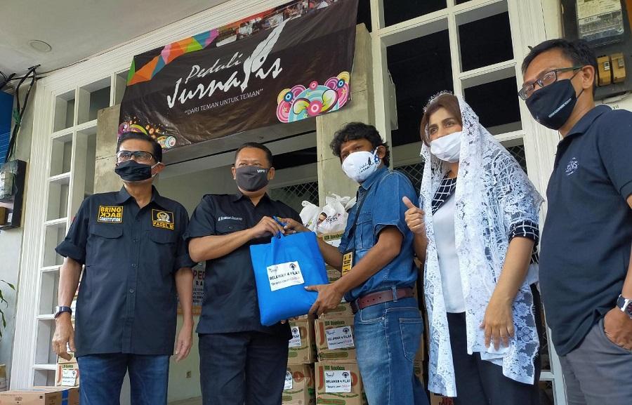 Apresiasi Gerakan Peduli Jurnalis, Bamsoet Ingatkan Wartawan Soal Berita Hoaks