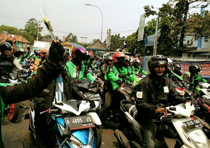 1590961260Ilustrasi-aksi-unjuk-rasa-ojek-online-di-kota-Tangerang-dok.Istimewa-e1553495188164_.jpg