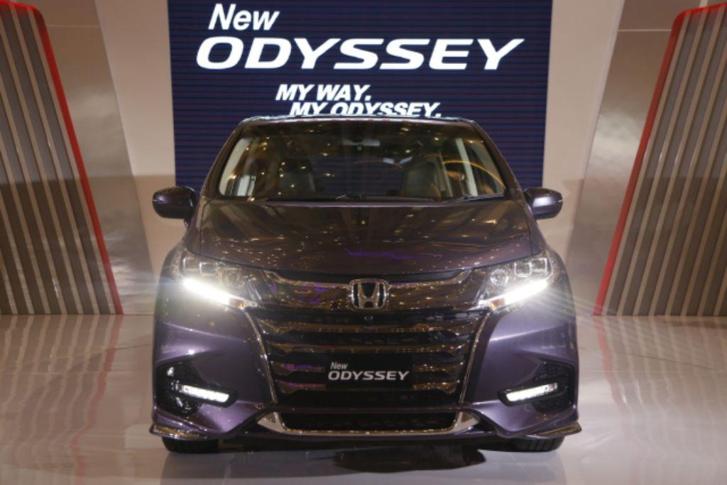 Honda ODYSSEY Rayakan 25 Tahun Sebagai Mobil Shuttle Keluarga dan Premium Van