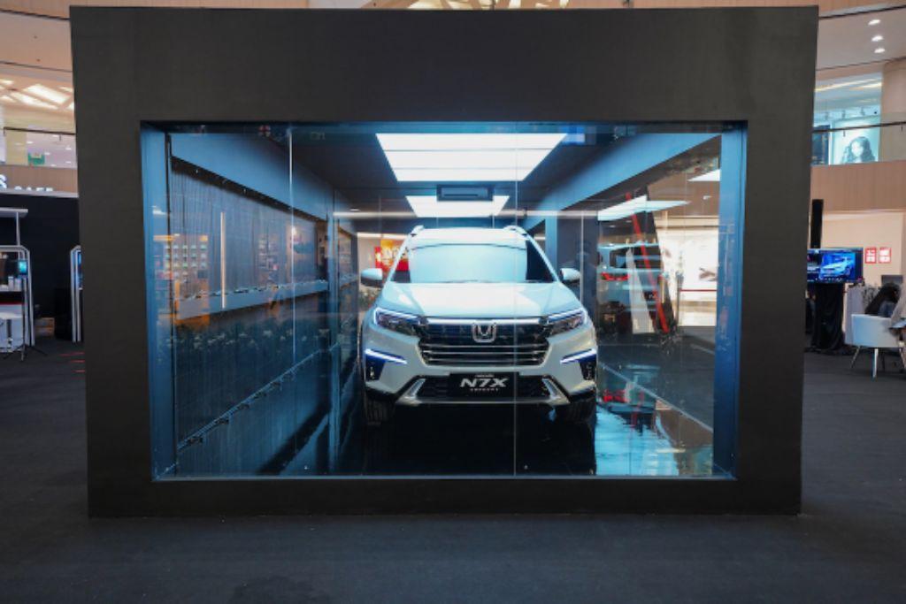 Honda N7X Hadir di Atrium Tunjungan Plaza Surabaya