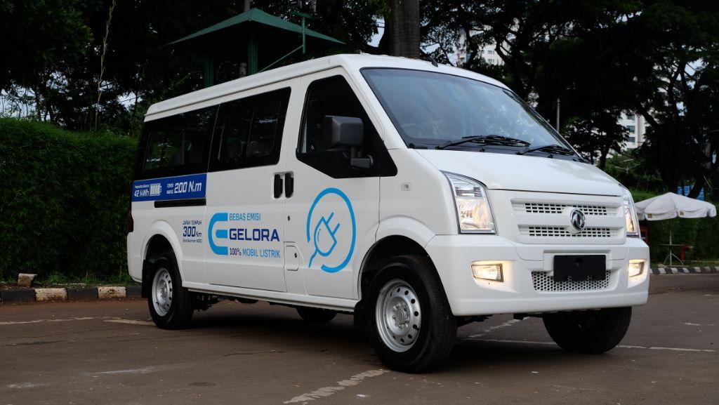 DFSK Gelora E, kendaraan komersial listrik pertama di Indonesia.   jakartainsight.com