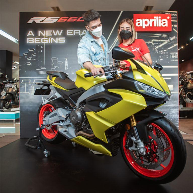Layanan dan ambience premium di Diler Motoplex 4-brand. | jakartainsight.com