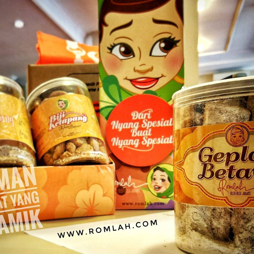 Pertahankan Eksistensi Makanan Khas Betawi Mpo Romlah Hadirkan