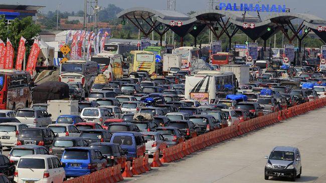 Puncak Arus Balik Diprediksi 400 Ribu Kendaraan Padati Cipali