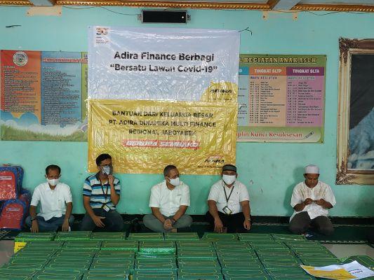 Adira Finance Regional Jabodetabek Berikan  Bantuan Paket Sembako ke Panti Asuhan Al-Khairiyah
